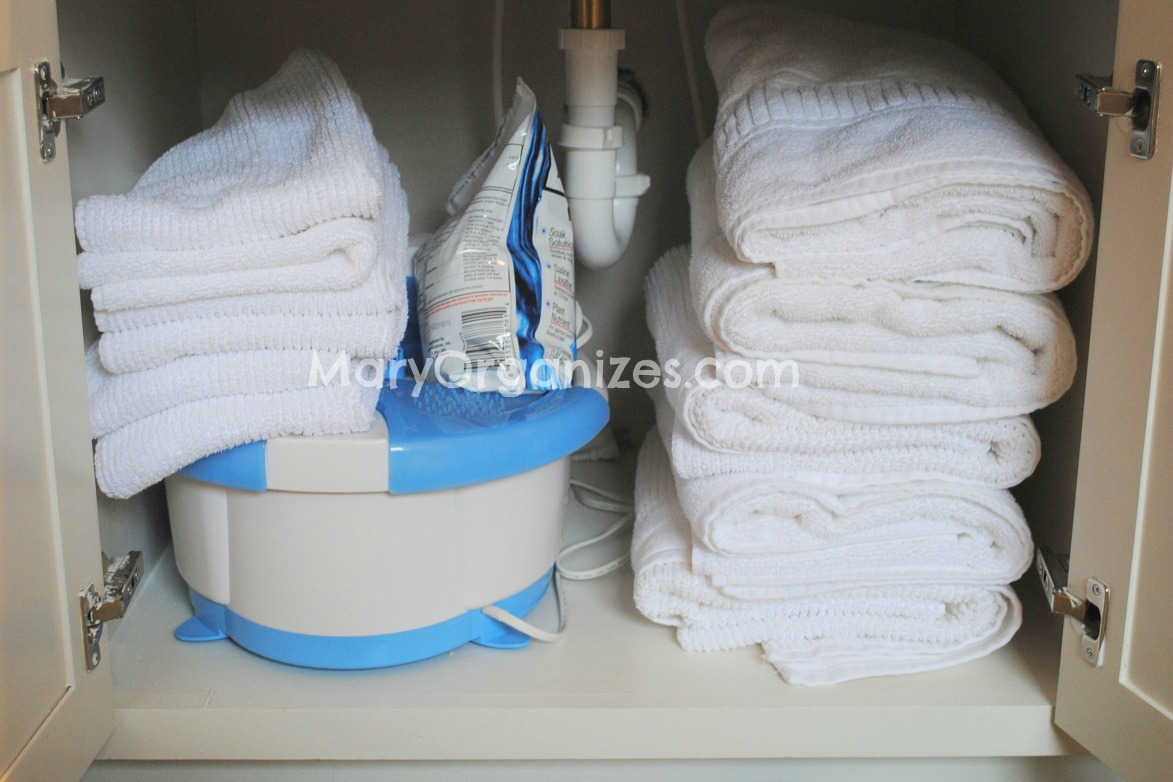 white towels for the bathroom lets you mix and match sets