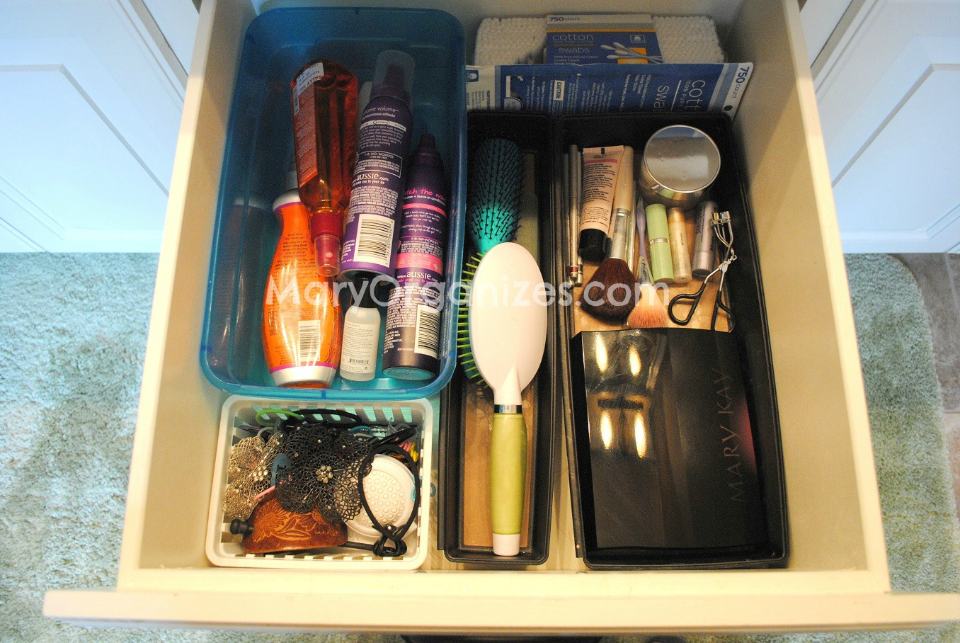 middle drawer bathroom organizing